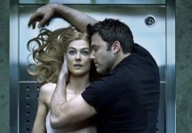 A cool girl and a bad guy: L'AMORE BUGIARDO – GONE GIRL di David Fincher