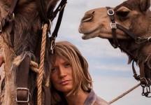 Per gentile concessione di National Geographic: TRACKS – ATTRAVERSO IL DESERTO di John Curran
